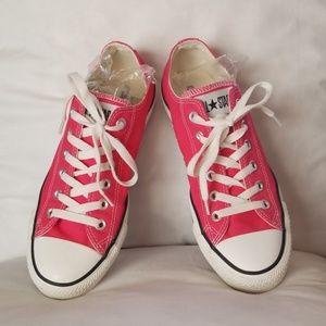 9.0 women's pink converse